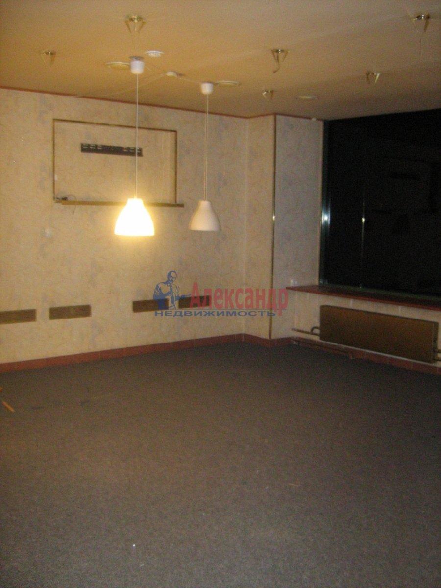 Торговое помещение (178м2) в аренду — фото 1 из 5
