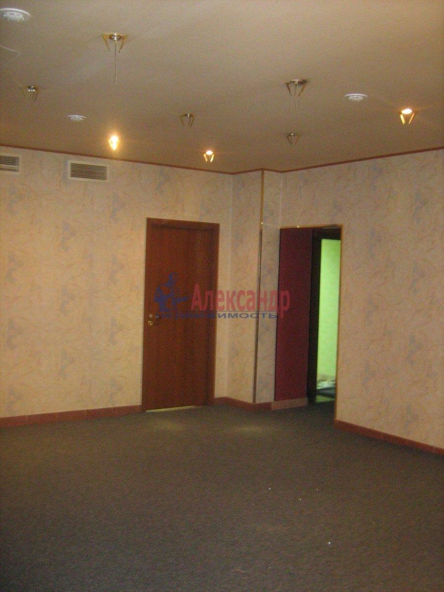 Торговое помещение (178м2) в аренду — фото 2 из 5