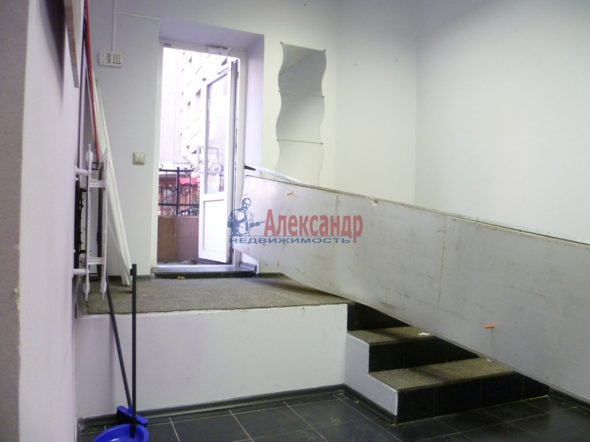 Офис (42м2) в аренду — фото 2 из 9