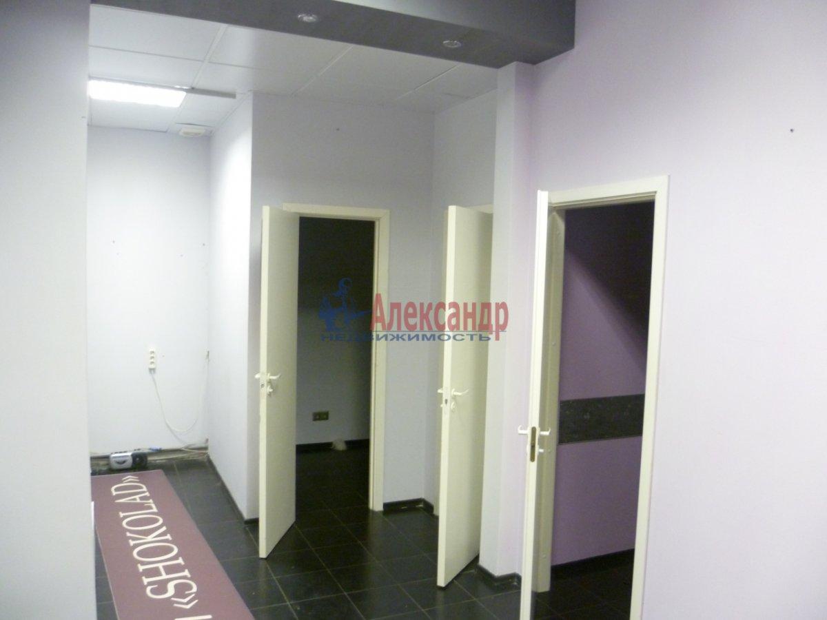 Офис (42м2) в аренду — фото 3 из 9