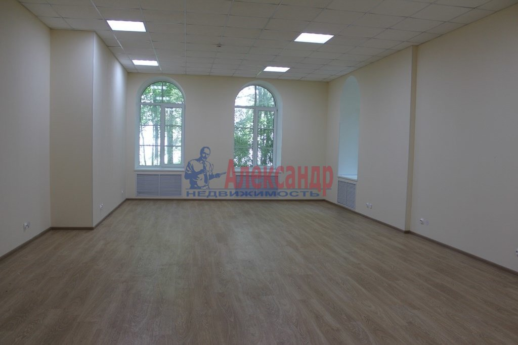 Офис (70м2) в аренду — фото 1 из 3