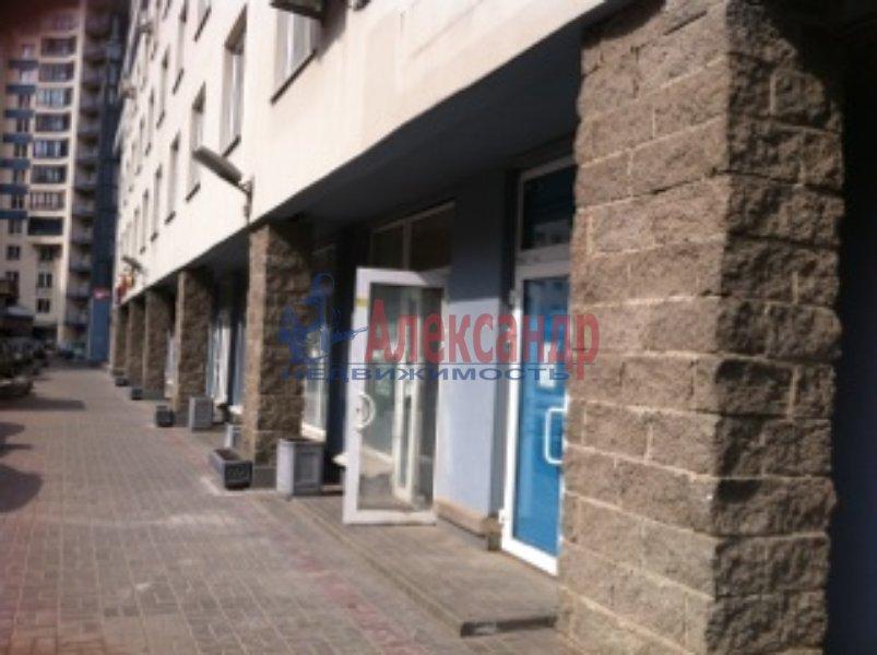 Торговое помещение (77м2) в аренду — фото 1 из 4