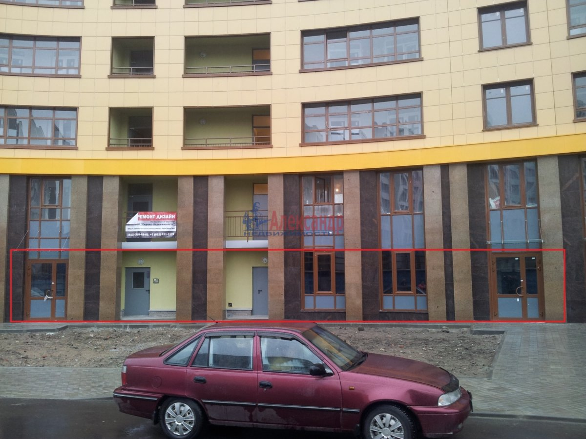Торговое помещение (450м2) в аренду — фото 1 из 7