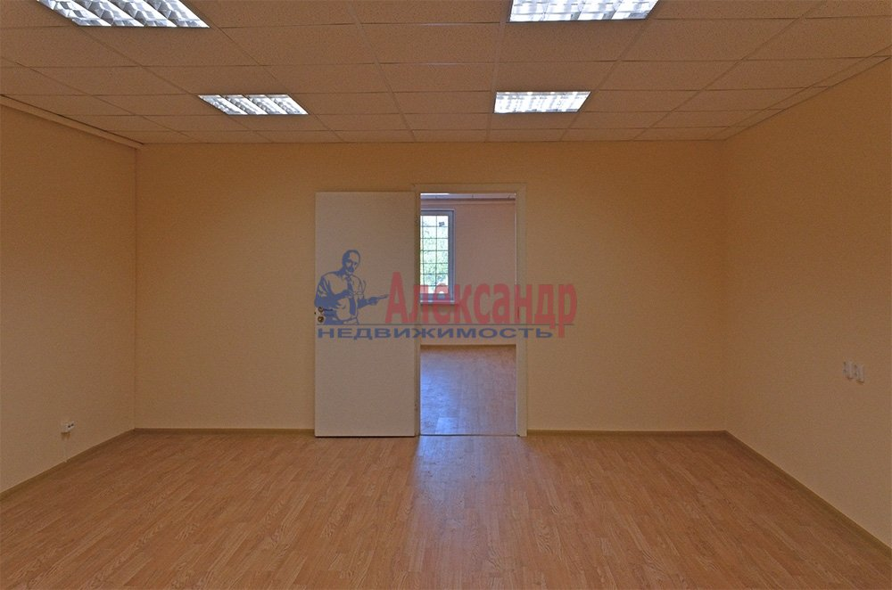 Офис (89м2) в аренду — фото 2 из 3
