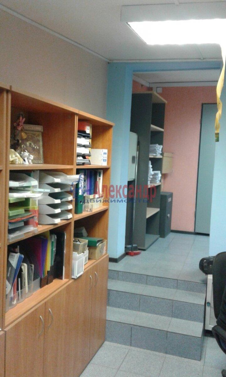 Офис (50м2) в аренду — фото 2 из 13