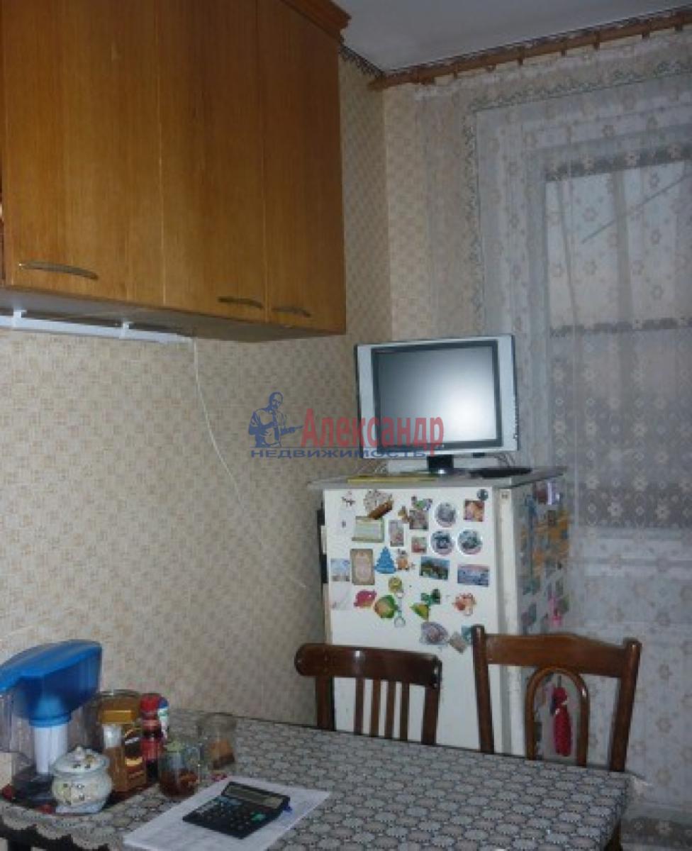 Комната в 2-комнатной квартире (60м2) в аренду по адресу Купчинская ул., 17— фото 3 из 4