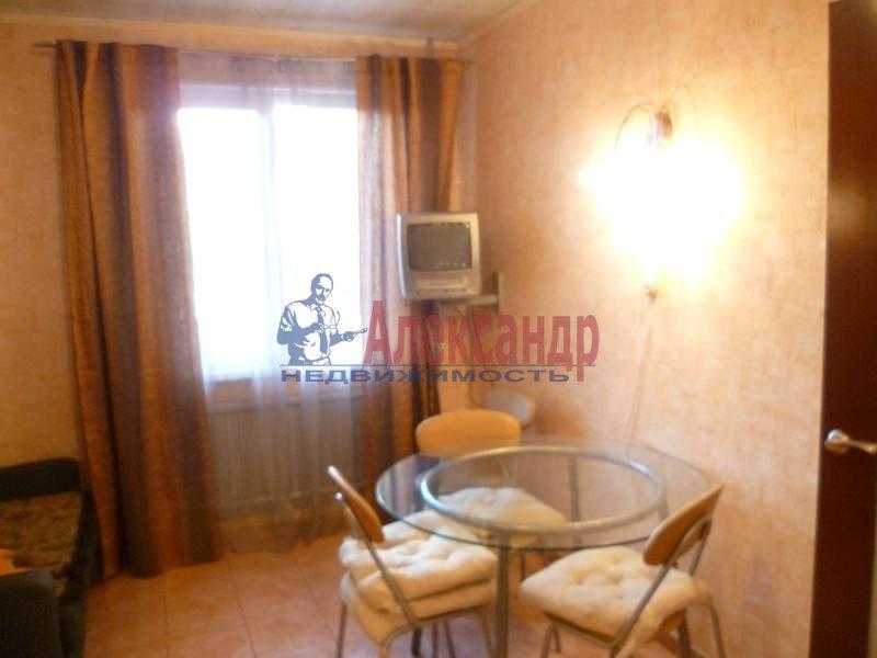 3-комнатная квартира (95м2) в аренду по адресу Варшавская ул., 16— фото 3 из 10