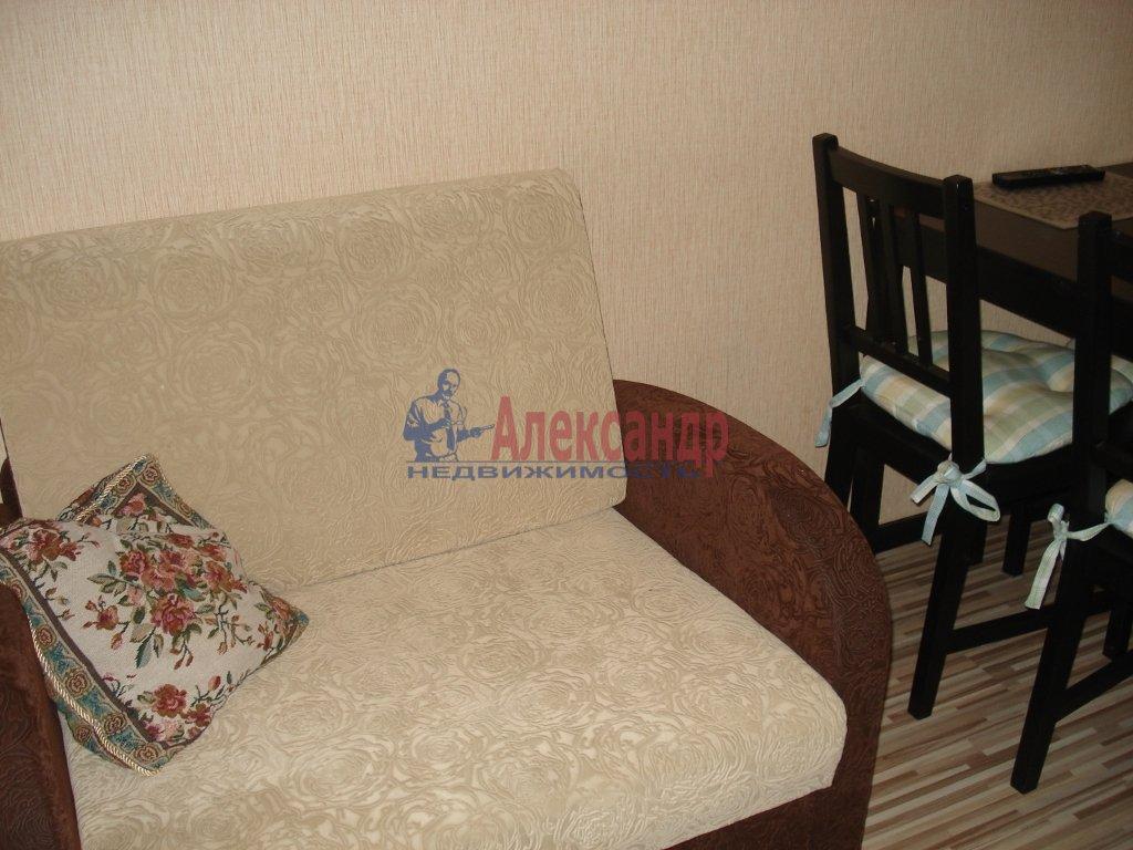1-комнатная квартира (42м2) в аренду по адресу Колтуши пос., Верхняя ул., 1— фото 3 из 10