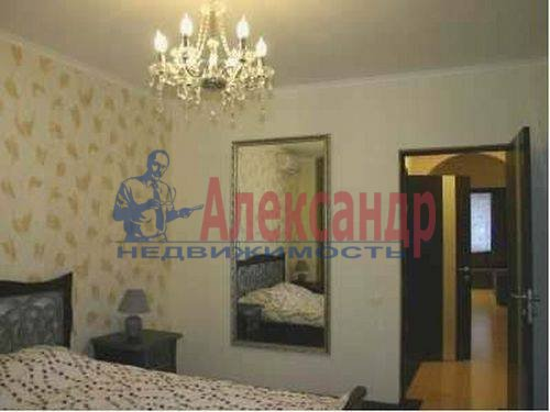 3-комнатная квартира (73м2) в аренду по адресу Богатырский пр., 24— фото 2 из 17