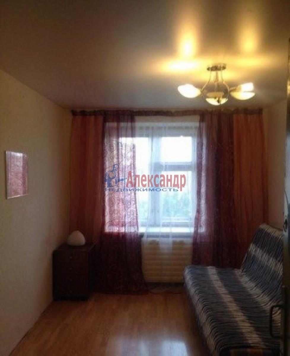 Комната в 3-комнатной квартире (68м2) в аренду по адресу Косая линия, 24/25— фото 1 из 3