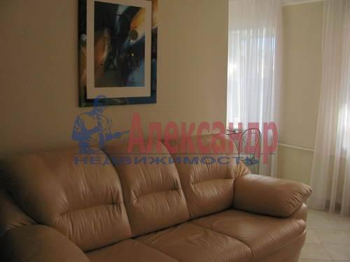 2-комнатная квартира (50м2) в аренду по адресу Можайская ул., 11— фото 3 из 10