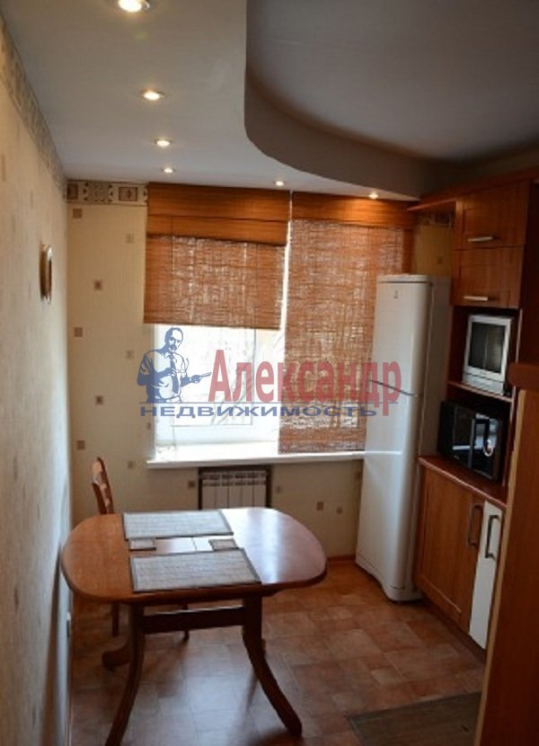 1-комнатная квартира (45м2) в аренду по адресу Светлановский просп., 99— фото 7 из 8