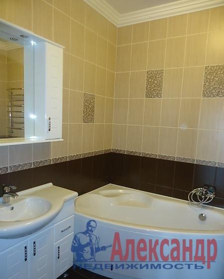 2-комнатная квартира (65м2) в аренду по адресу Декабристов ул., 49— фото 4 из 4