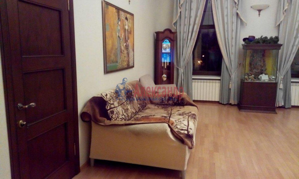 4-комнатная квартира (220м2) в аренду по адресу Кронверкский пр., 61/28— фото 1 из 13