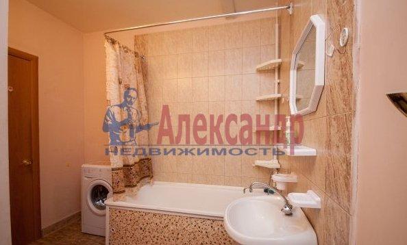2-комнатная квартира (70м2) в аренду по адресу Латышских Стрелков ул., 15— фото 6 из 8