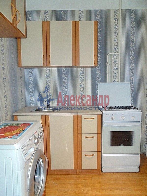 1-комнатная квартира (36м2) в аренду по адресу Дрезденская ул., 15— фото 1 из 3