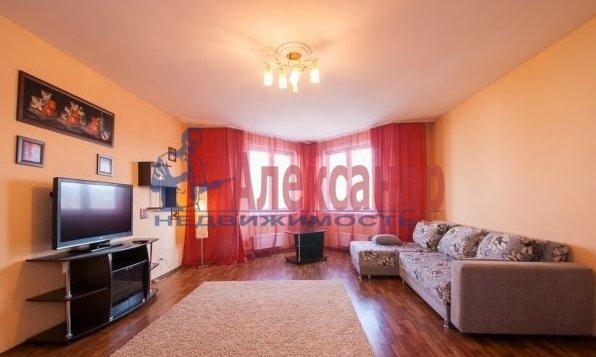 2-комнатная квартира (70м2) в аренду по адресу Латышских Стрелков ул., 15— фото 1 из 8