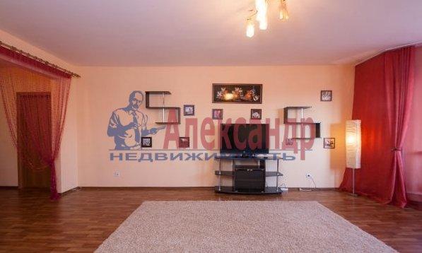 2-комнатная квартира (70м2) в аренду по адресу Латышских Стрелков ул., 15— фото 2 из 8