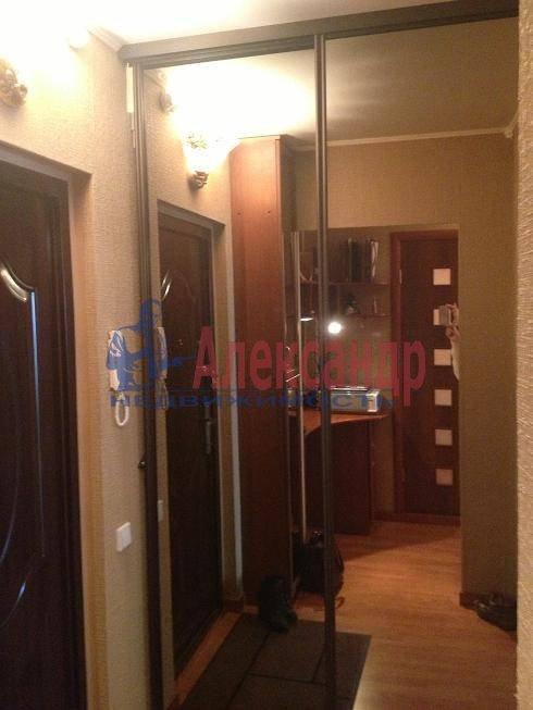 2-комнатная квартира (59м2) в аренду по адресу Антонова-Овсеенко ул., 18— фото 2 из 10