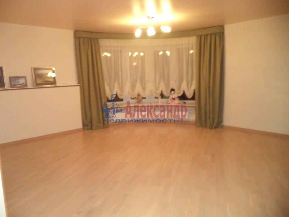 2-комнатная квартира (80м2) в аренду по адресу Манчестерская ул., 10— фото 4 из 6