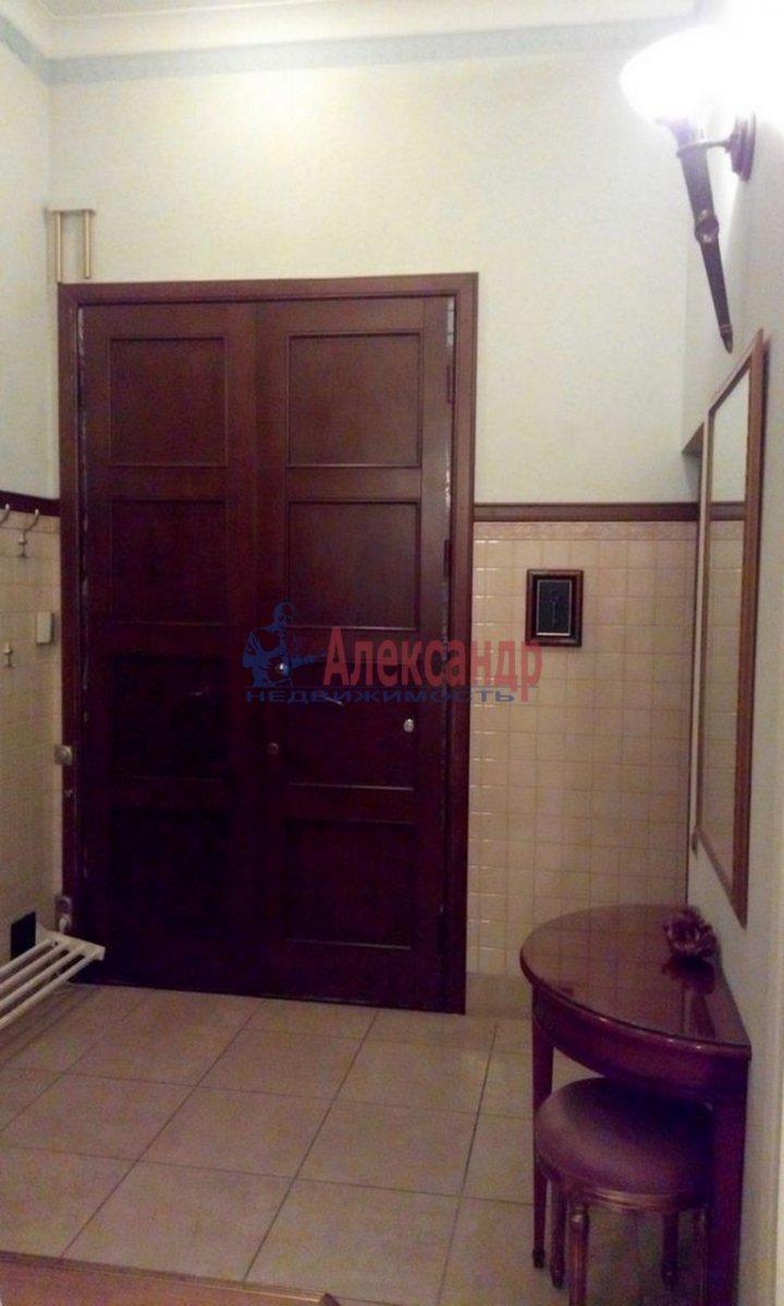 4-комнатная квартира (220м2) в аренду по адресу Кронверкский пр., 61/28— фото 3 из 13