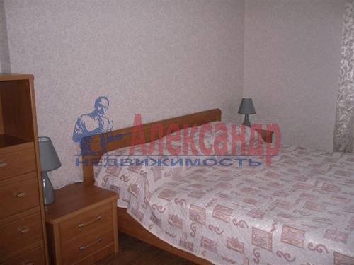 2-комнатная квартира (60м2) в аренду по адресу Комендантский пр., 13— фото 3 из 6