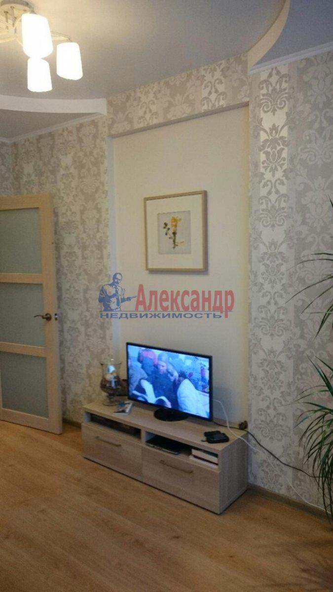 1-комнатная квартира (38м2) в аренду по адресу Луначарского пр., 11— фото 4 из 12