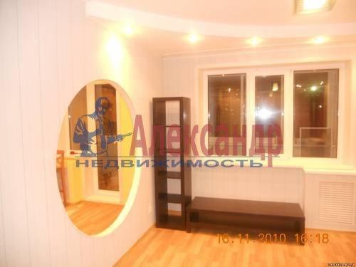 1-комнатная квартира (40м2) в аренду по адресу Шлиссельбургский пр., 24— фото 9 из 12