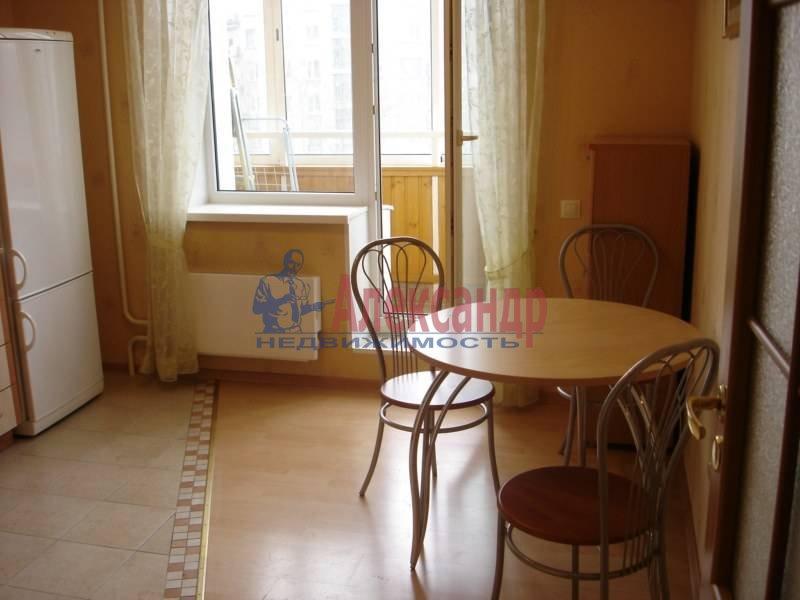 1-комнатная квартира (35м2) в аренду по адресу Композиторов ул., 1— фото 3 из 4