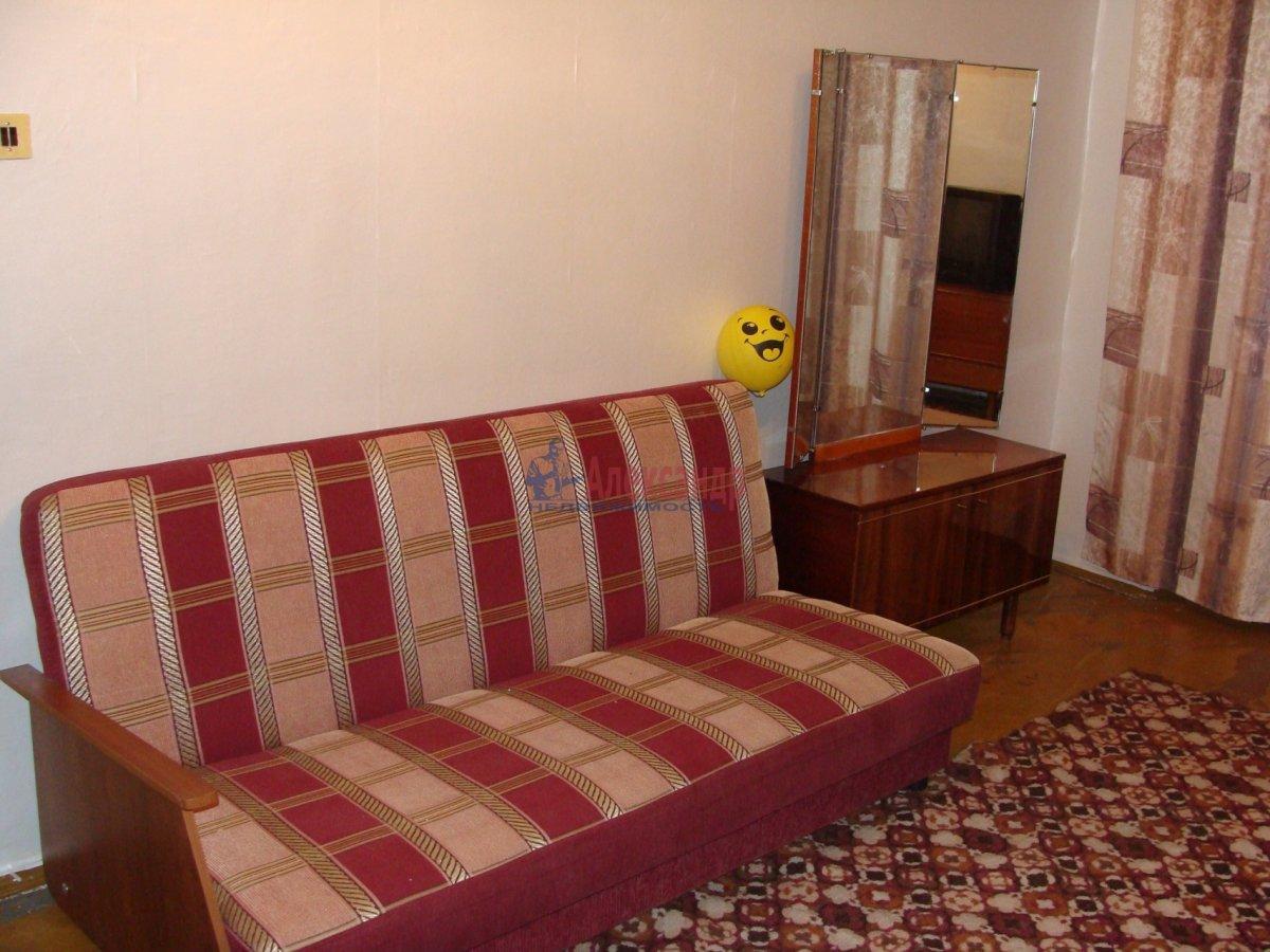 1-комнатная квартира (35м2) в аренду по адресу Меншиковский пр., 5— фото 2 из 6