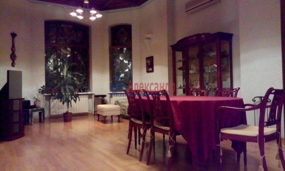 4-комнатная квартира (220м2) в аренду по адресу Кронверкский пр., 61/28— фото 2 из 13