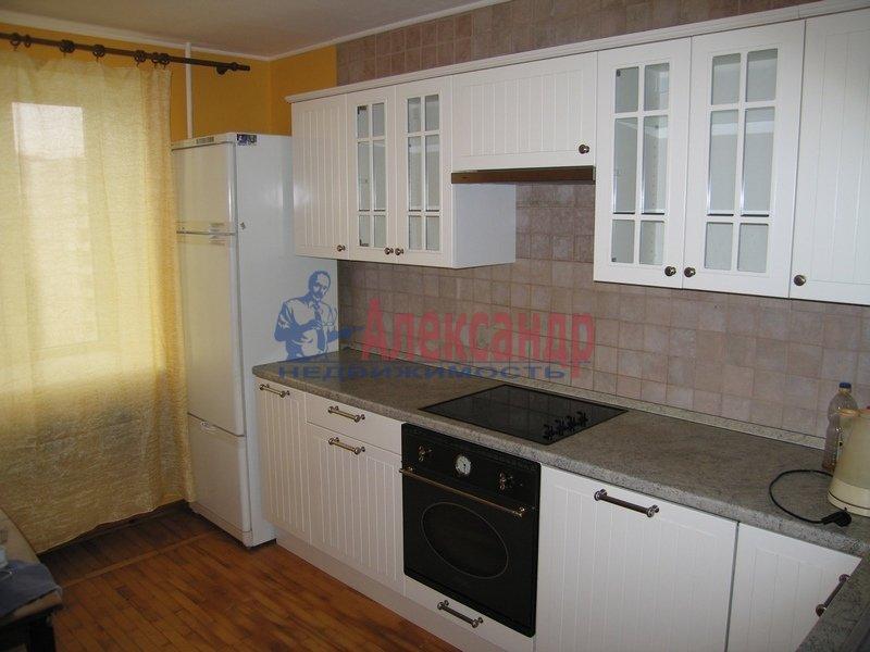 1-комнатная квартира (50м2) в аренду по адресу Крестовский пр., 15— фото 2 из 3