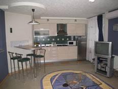 2-комнатная квартира (58м2) в аренду по адресу Космонавтов просп., 37— фото 2 из 3