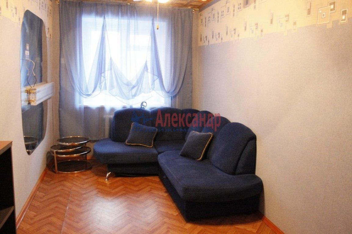 2-комнатная квартира (43м2) в аренду по адресу Кузнецова пр., 26— фото 2 из 3