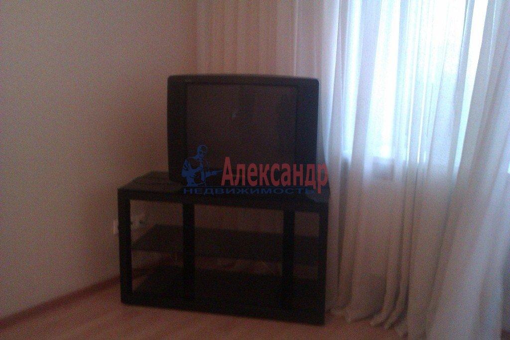 1-комнатная квартира (40м2) в аренду по адресу Орджоникидзе ул., 58— фото 8 из 10