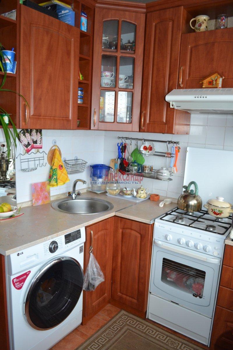 2-комнатная квартира (59м2) в аренду по адресу Автовская ул., 2— фото 2 из 5