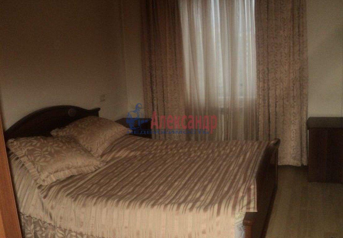 2-комнатная квартира (52м2) в аренду по адресу Галерная ул., 41— фото 2 из 4
