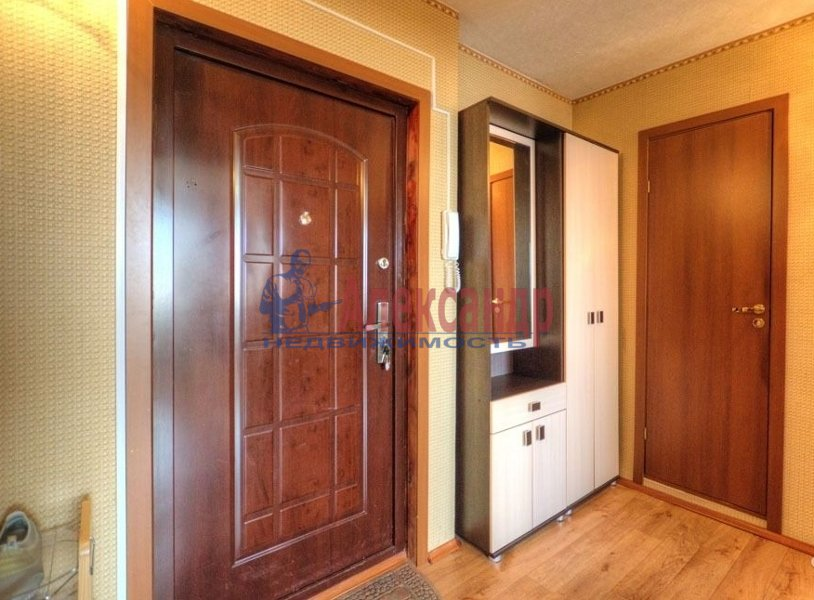 2-комнатная квартира (71м2) в аренду по адресу Звездная ул., 11— фото 6 из 6