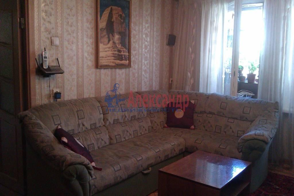 3-комнатная квартира (65м2) в аренду по адресу Большевиков пр., 9— фото 3 из 10