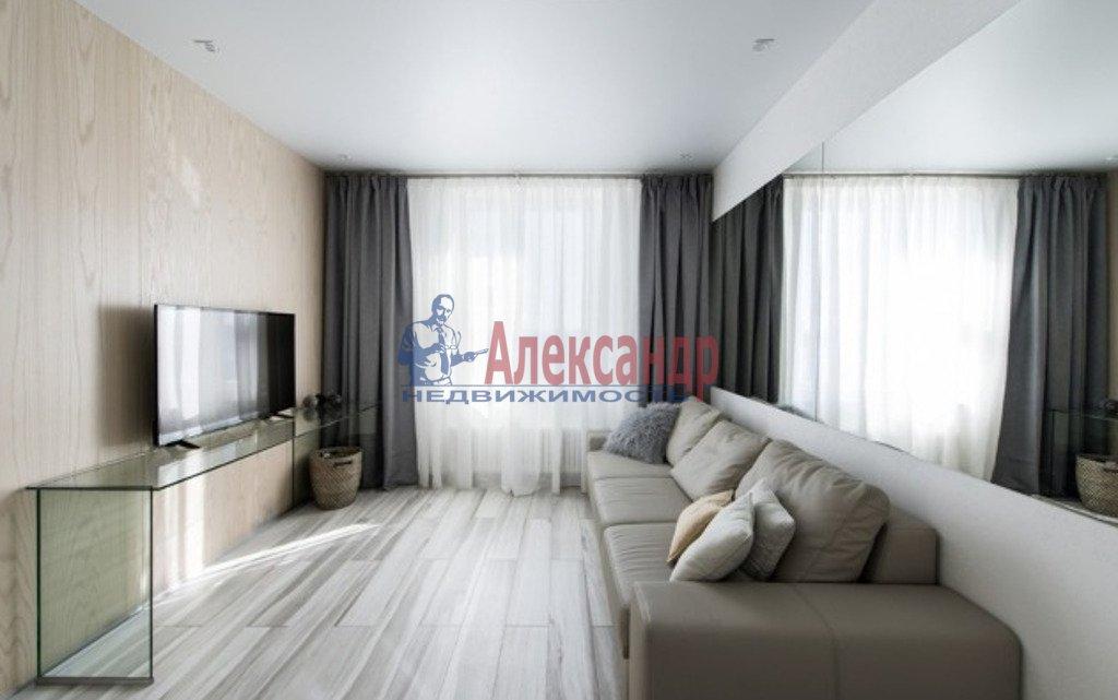 2-комнатная квартира (78м2) в аренду по адресу Новочеркасский пр., 33— фото 3 из 4