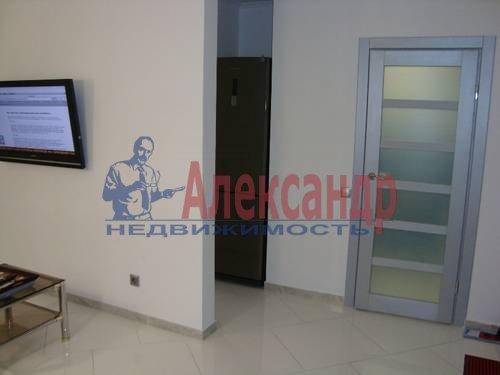 2-комнатная квартира (84м2) в аренду по адресу Плуталова ул., 4— фото 7 из 8