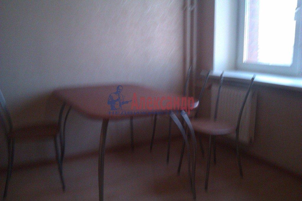 1-комнатная квартира (40м2) в аренду по адресу Орджоникидзе ул., 58— фото 7 из 10