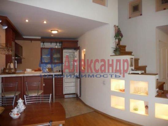 2-комнатная квартира (75м2) в аренду по адресу Большая Конюшенная ул., 3— фото 4 из 4