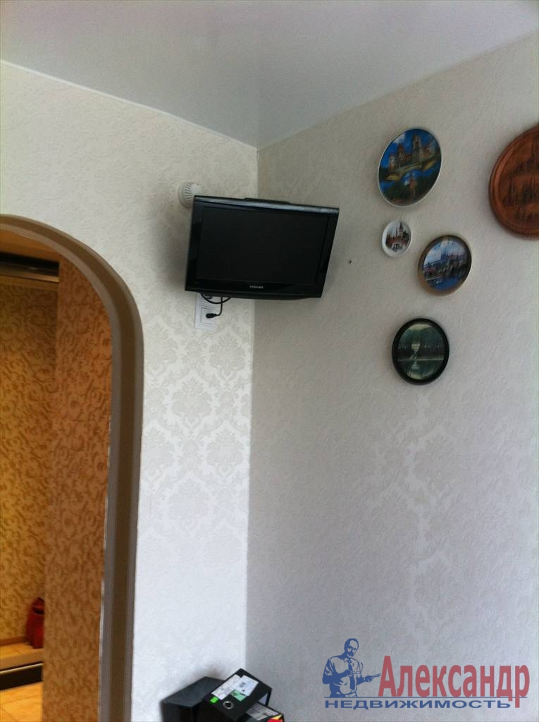 2-комнатная квартира (61м2) в аренду по адресу Луначарского пр., 112— фото 7 из 29