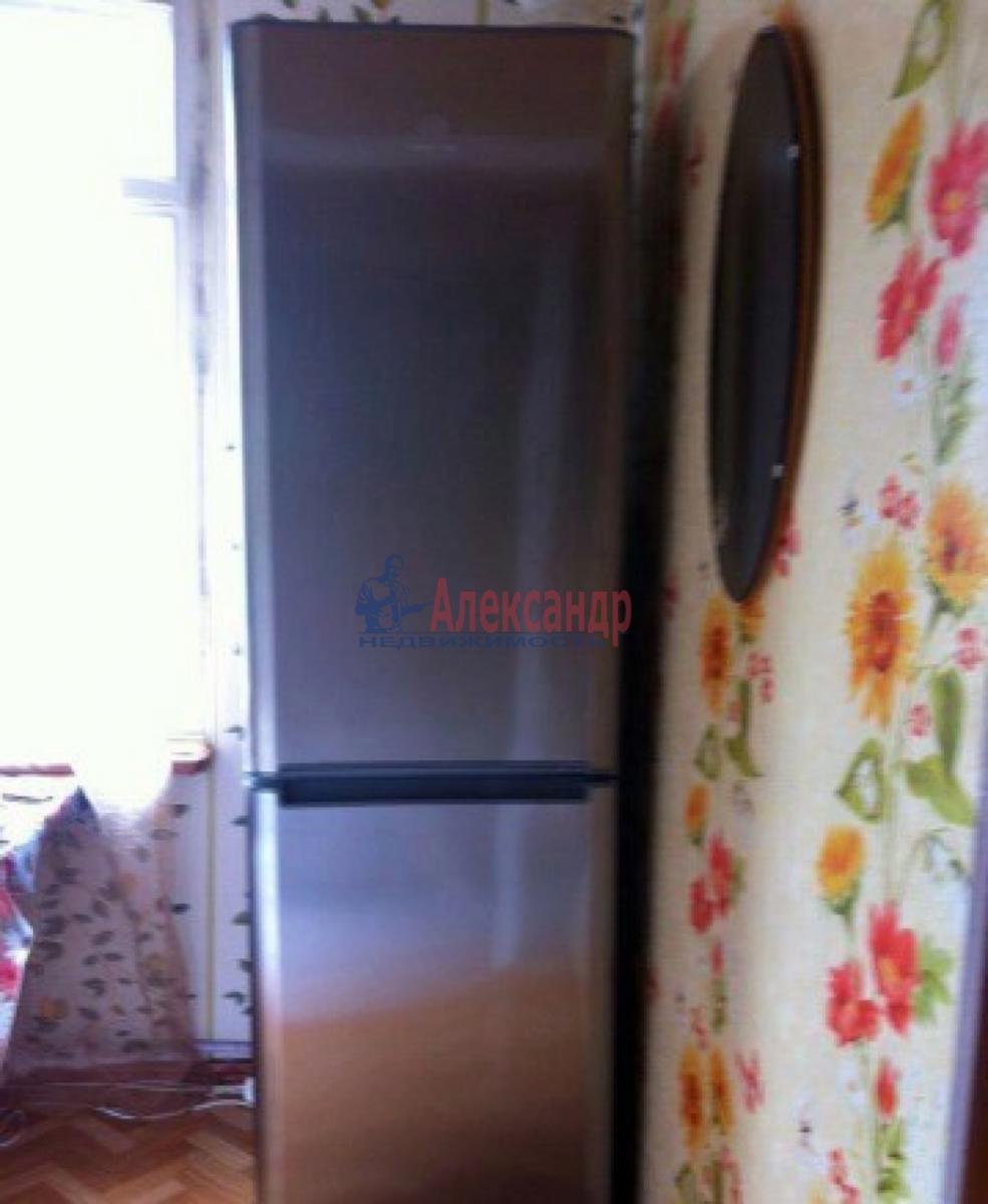 1-комнатная квартира (38м2) в аренду по адресу Коммуны ул., 32— фото 2 из 6
