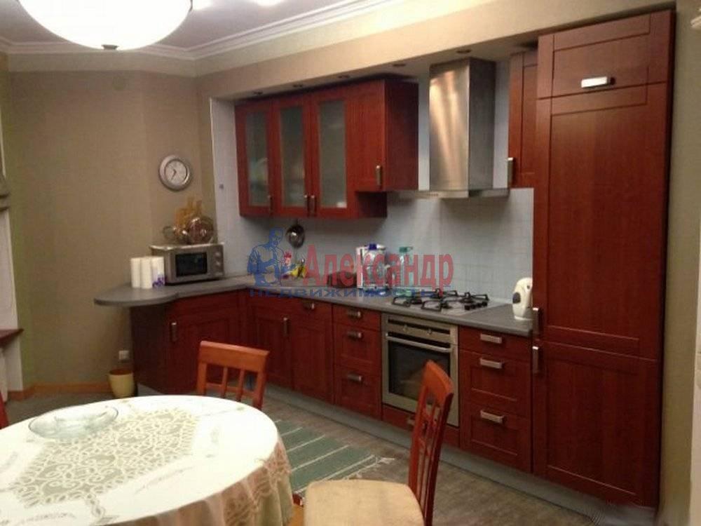 3-комнатная квартира (125м2) в аренду по адресу Радищева ул., 17— фото 6 из 9