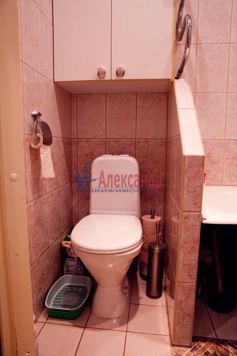 1-комнатная квартира (40м2) в аренду по адресу Красное Село г., Юных Пионеров ул., 18— фото 2 из 2