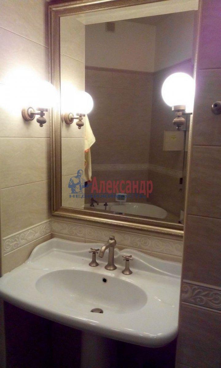 4-комнатная квартира (220м2) в аренду по адресу Кронверкский пр., 61/28— фото 6 из 13