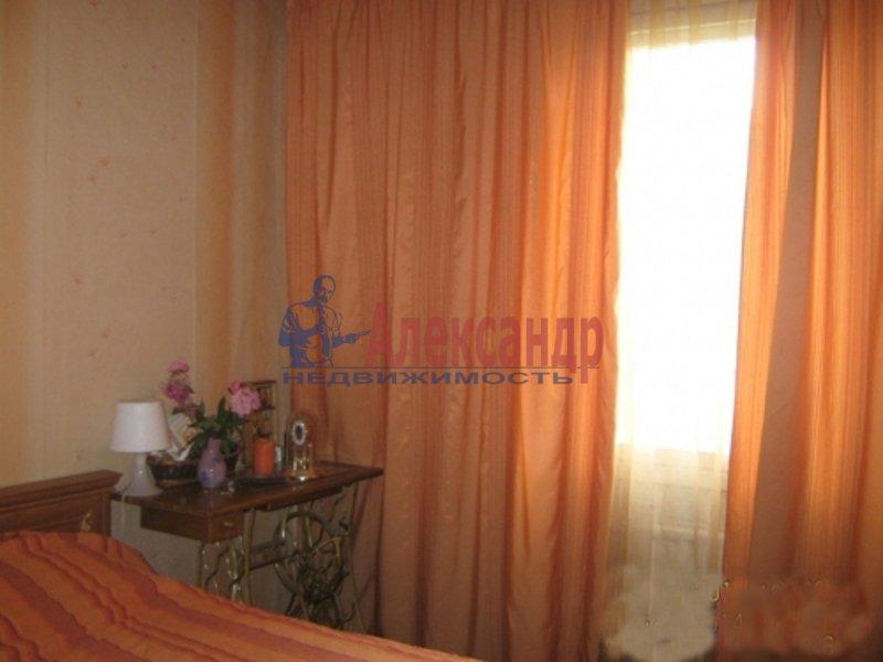 2-комнатная квартира (53м2) в аренду по адресу Обуховской Обороны пр., 142— фото 2 из 5