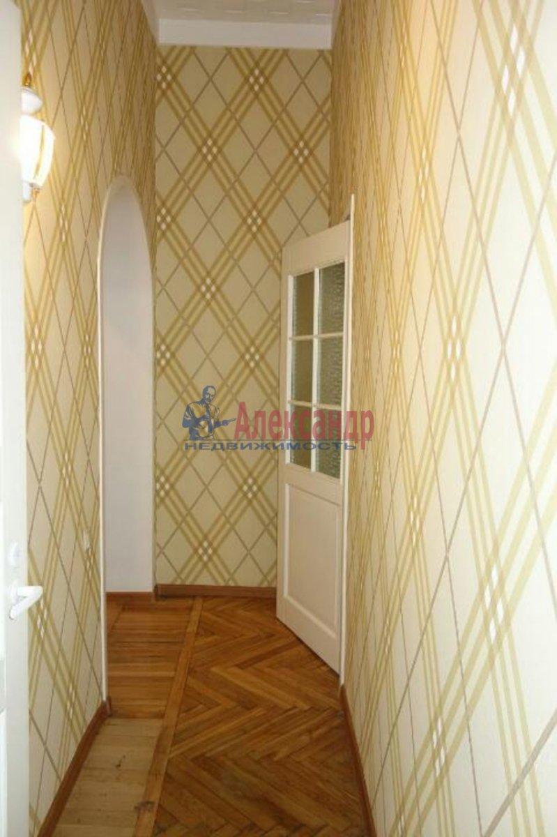 2-комнатная квартира (74м2) в аренду по адресу Кронверкский пр., 23— фото 4 из 9